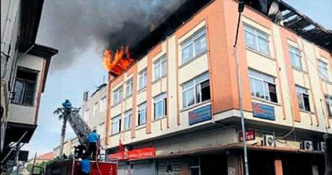 İş hanındaki yangında kundaklama şüphesi