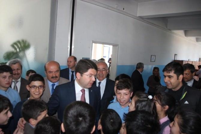 """AK Parti Milletvekili Yılmaz Tunç: """"Amasra Lisesi Yapım İhalesi 28 Mayısta"""""""