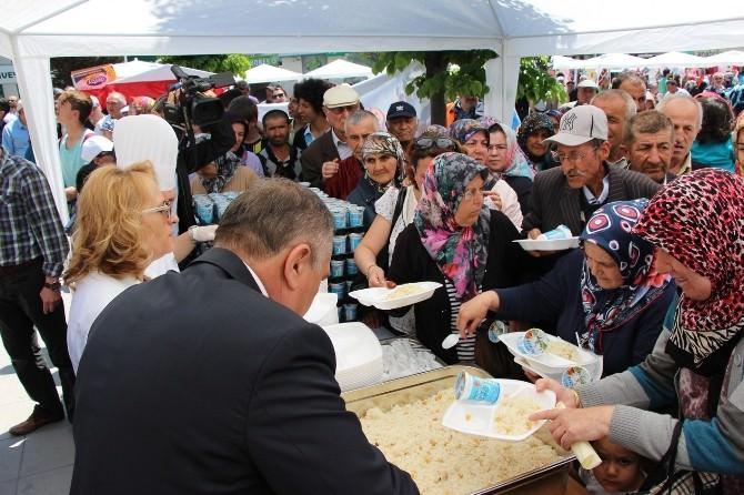 Bolu Belediyesi'nden 5 Bin Kişilik Kandil Pilavı İkramı