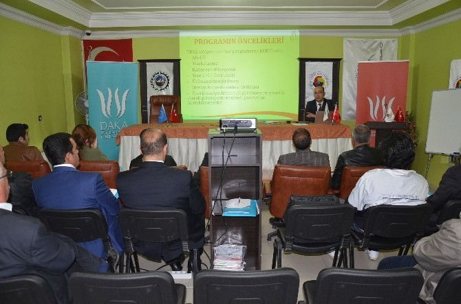 Daka, Yüksekova'da Bilgilendirme Toplantısı Düzenledi