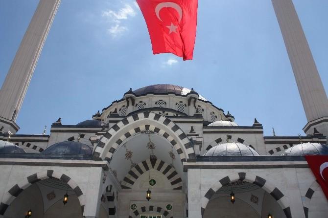 Eruslu Camii Dualarla Açıldı