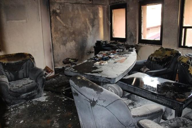 İskenderun'da Belediye Binasında Yangın