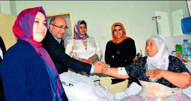 AK Partili Yalvaç hastalarla görüştü