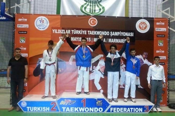 Foça, Yıldızlar Taekwondo'ya Damga Vurdu