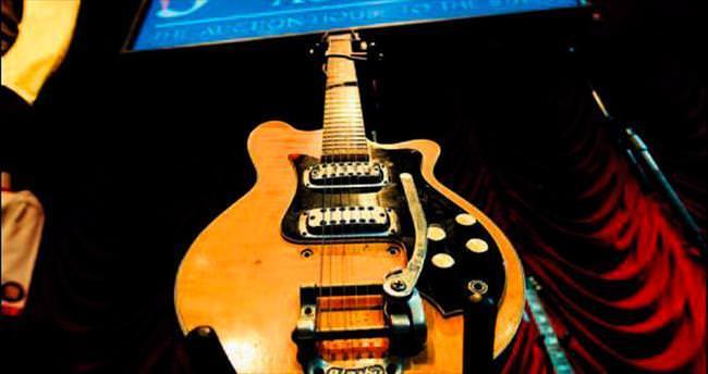 Harrison'ın gitarı 485 bin dolar etti