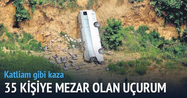 30 metre aşağı yuvarlandı: 35 ölü
