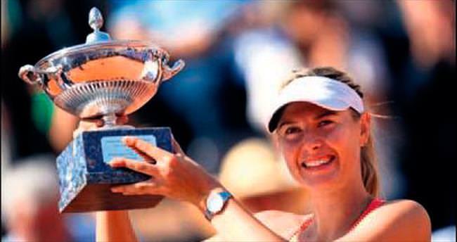 Roma'da zafer Djokovic ile Sharapova'nın