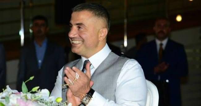 Demet Akalın, Sedat Peker'in düğün davetiyesini paylaştı