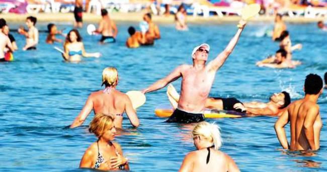 Antalya'da sıcaklar bastırdı!