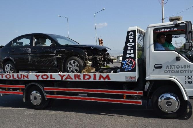 Nazilli'de Polislerin Bulunduğu Araç Takla Attı: 5 Yaralı