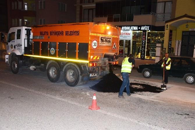 Büyükşehir Belediyesi Gece Mesaisi Yapıyor