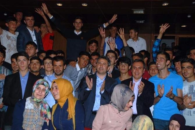 Aydın, Okul Ve Siyasi Tecrübelerini Gençlerle Paylaştı