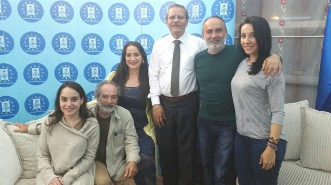 Ali İhsan Ertaş'dan Tiyatroya Davet