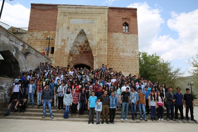 Malatya Anadolu Lisesi Öğrencileri Eshab-ı Kehf'i Ziyaret Etti