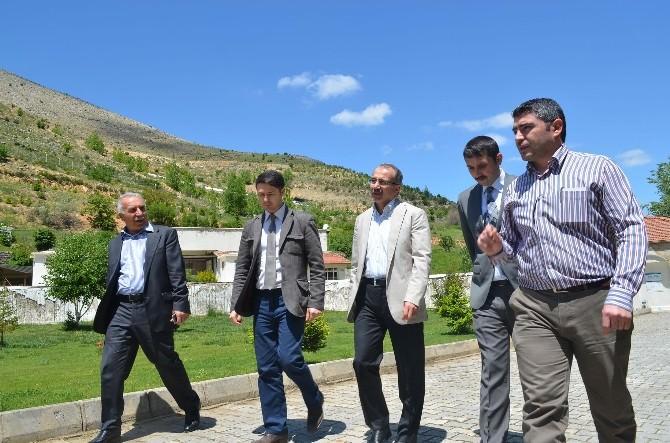Dinçer Ve Yazar Fehmi Koru Kaptaj'ı Gezdi
