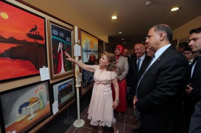 Müzeler Haftası'nda Resim Sergisi Açıldı