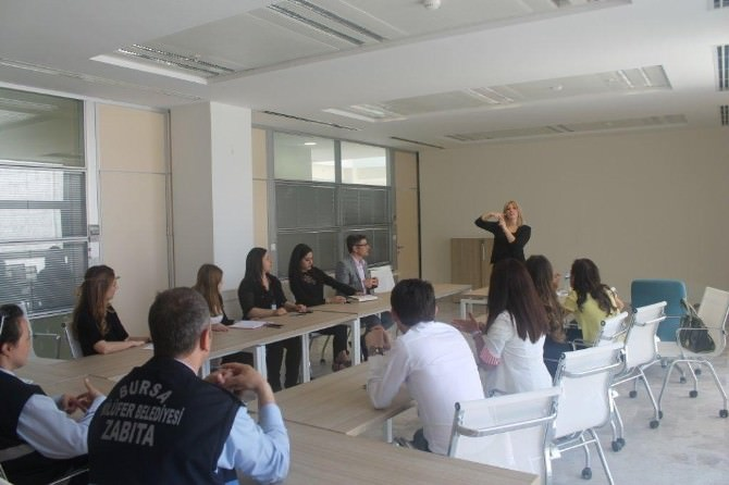 Nilüfer Belediyesi Personeline İşaret Dili Eğitimi