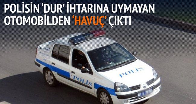 'Dur' ihtarına uymayan otomobilden 'Havuç' çıktı
