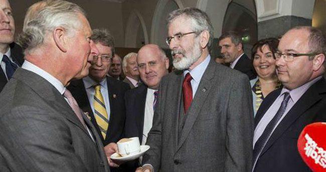 Prens Charles, Sinn Fein lideri Gerry Adams'la bir araya geldi