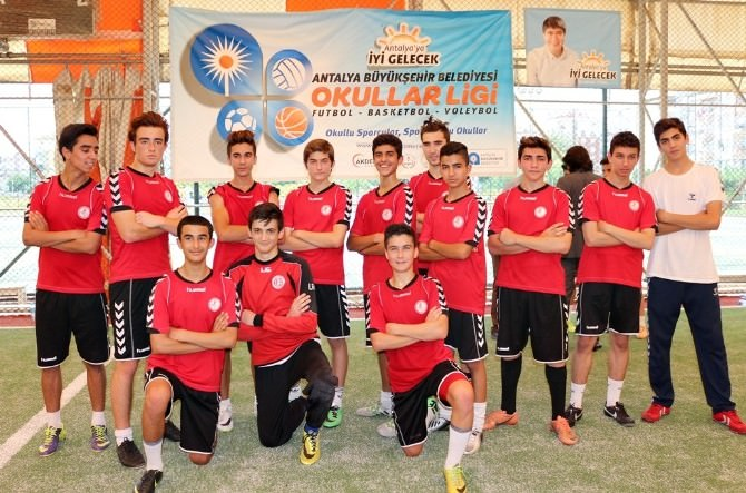 Okullar Ligi'nde Müthiş Futbol Finali