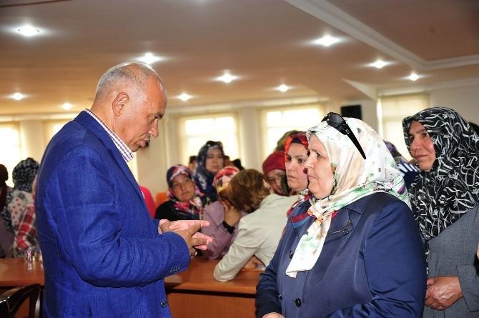 AK Parti Kadın Kolların'dan Başkan Çalışkan'a Ziyaret
