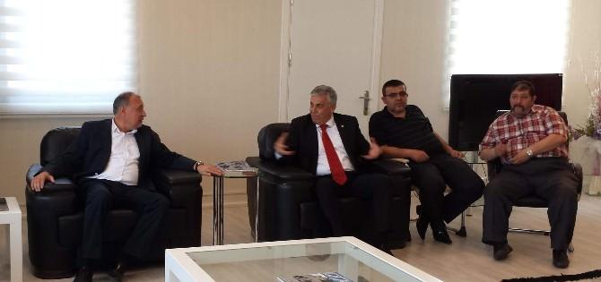 MHP Heyeti, Aesob'u Ziyaret Ederek Seçim Beyannamesini Anlattı