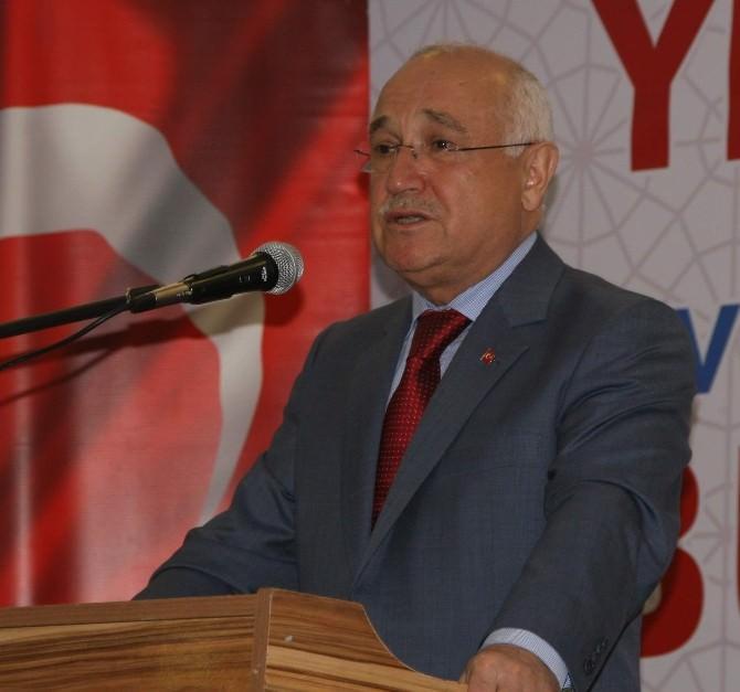 TBMM Başkanı Cemil Çiçek, Türkiye'nin Gelişmesi İçin Siyasi İstikrar Önemli