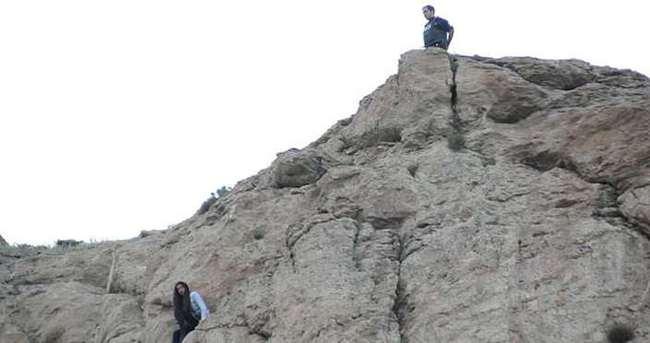 Lise öğrencisi kayalıklardan atlamak istedi