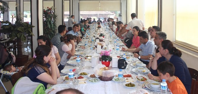 Kargı Türk Eğitim-sen Yemekte Biraraya Geldi