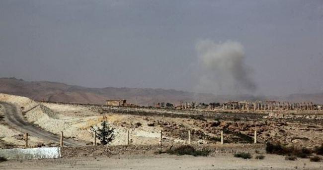 IŞİD son sınır kapısını da ele geçirdi
