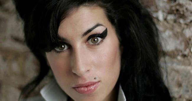 Amy Winehouse belgeselinden ilk fragman