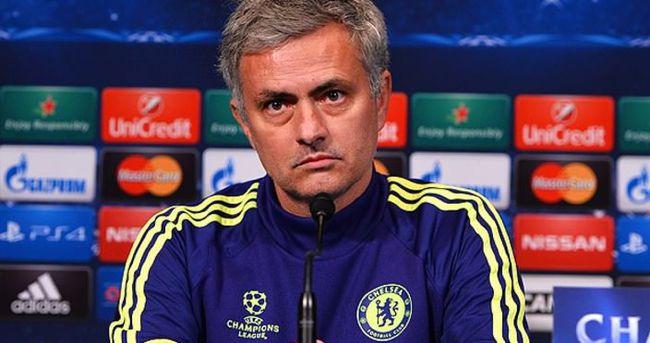 Yılın teknik direktörü Mourinho