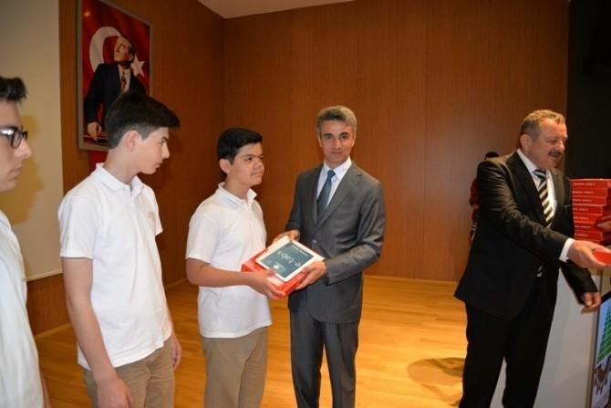 Bolu'da 9. Sınıf Öğrencilerine Tablet Bilgisayar Dağıtımı Yapıldı