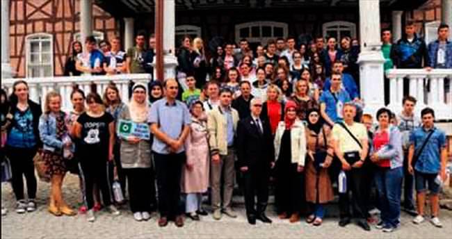 Boşnak gençlerden Büyükşehir'e ziyaret
