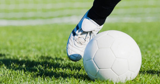 Maçta kalbi duran Arjantinli futbolcu öldü