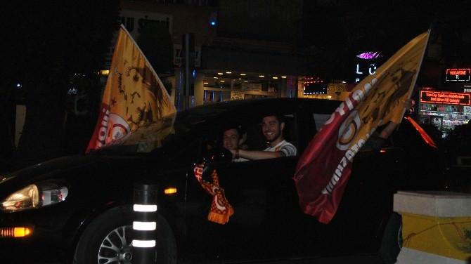 Aydın'da Galatasaray Taraftarları Sokaklara Döküldü