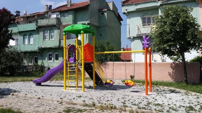 Park Ve Bahçelerdeki Oyun Gruplarını Kalite Standartlarına Göre Yeniliyor