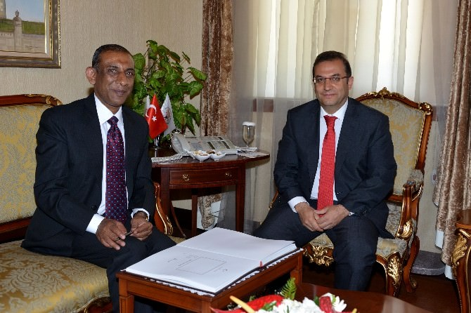 Hindistan Büyükelçisi Kulshreshth'den Vali Türker'e Ziyaret