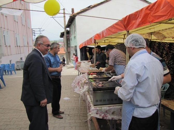 Hisarcık'ta Eğitim Yararına Gıda Kermesi
