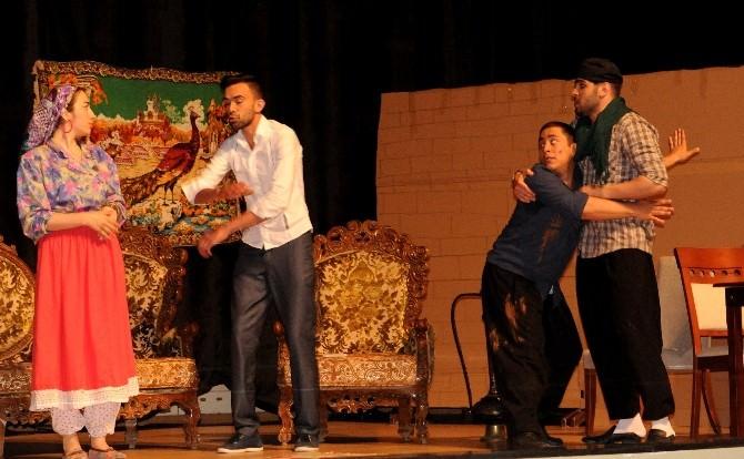 """7 Aralık Tiyatro Topluluğu'ndan """"Paydos"""""""