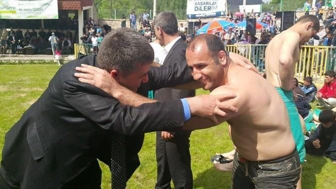 Uzundere'deki Güreş Şenliklerinde MHP Rüzgârı Esti