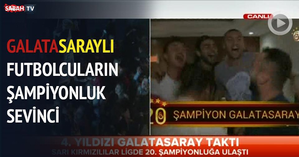 Galatasaraylı futbolcuların sevinci kamerada