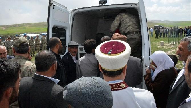 Şehit Köy Korucusu Gül Diyadin'de Toprağa Verildi
