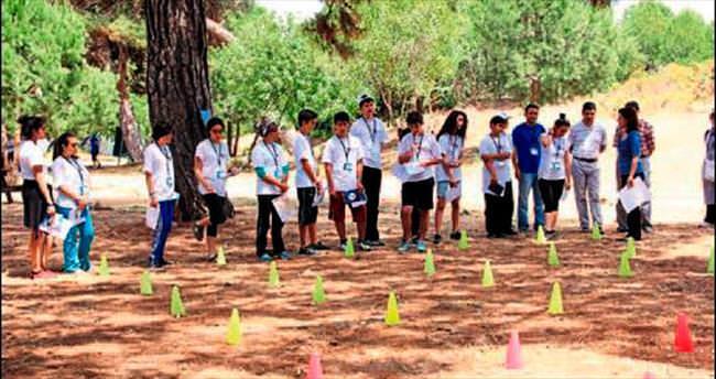 Liseliler kamp macerasında