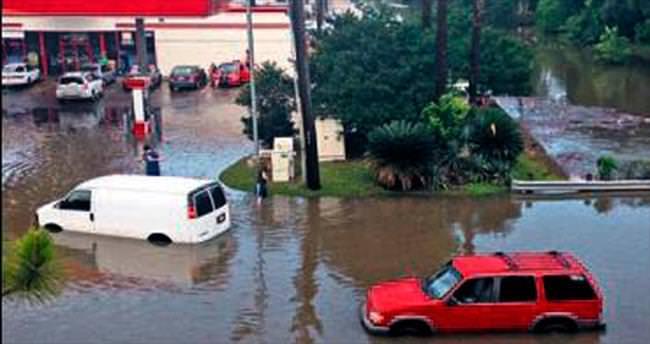 Teksas'ta sel: 9 ölü, 30 kayıp