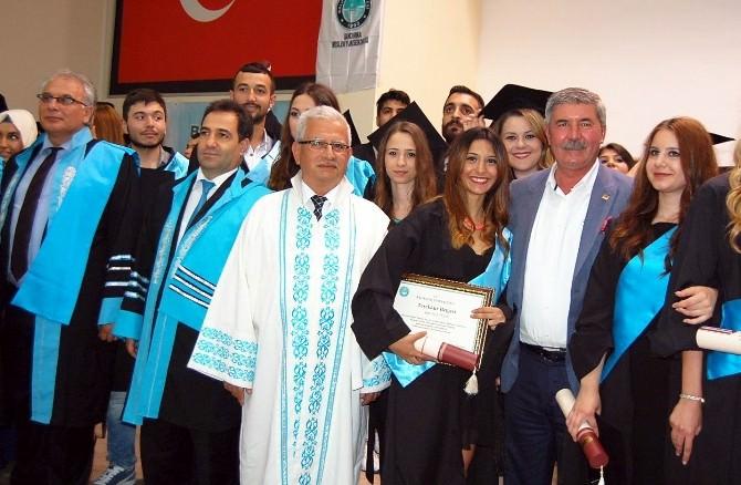 17 Eylül Üniversitesi İibf'de Mezuniyet Coşkusu