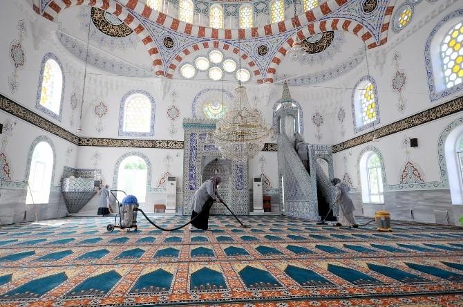 Başiskele Camileri Ramazan'a Hazır