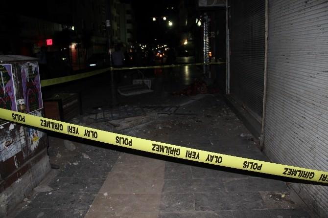 Halı Sirkeleyen İşçiler Asma Duvardan Düştü:2 Yaralı