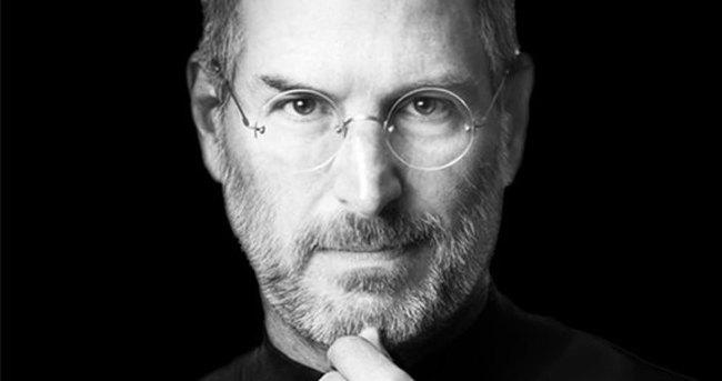 Steve Jobs filmi iddialı geliyor