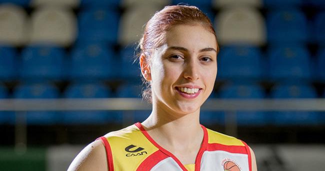 Ayşe Cora Beşiktaş'a transfer oldu